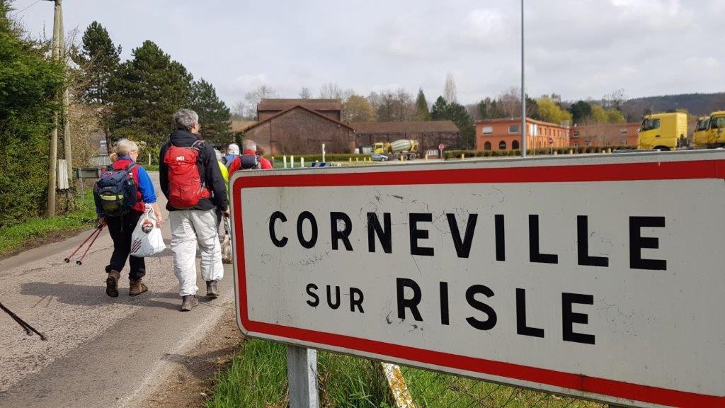 entréé dans Corneville ..