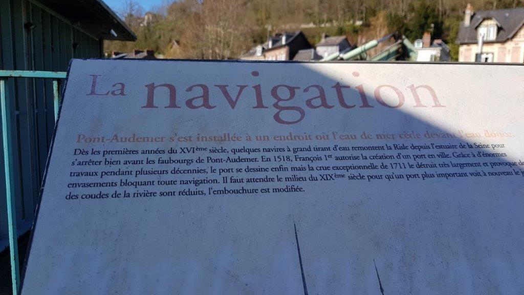 . la navigation à Pont d'Audemer