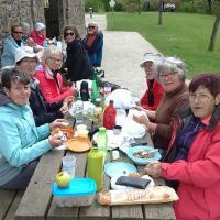 Rando de Lonlay l'Abbaye (oui ...les biscuits !) - pique-nique près du vieux pressoir