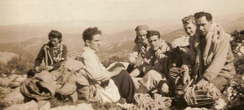 Gaston Rébuffat (au milieu)