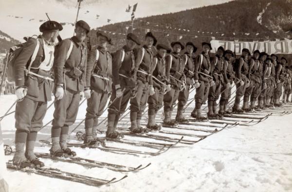 159eme RIA à l'arrivee d'un concours de ski